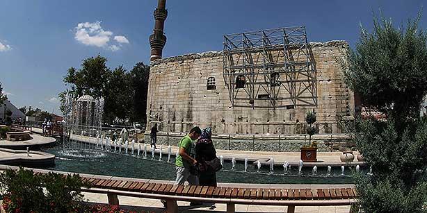 Turquia vai restaurar templo romano de 2 mil anos