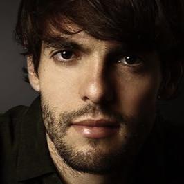 Kaká grava testemunho sobre carreira, fé e família