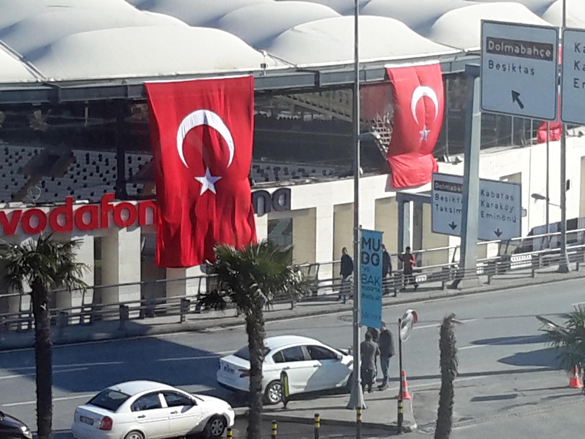 Crônicas de Istambul: Depois da tragédia, as homenagens e a solidariedade